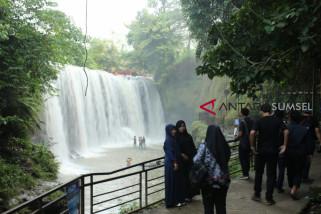 Air Terjun Temam Lubuklinggau ramai dikunjungi wisatawan