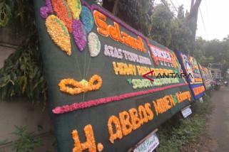 Herman Deru 'banjir' ucapan selamat dan karangan bunga