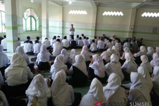 Utamakan Imtaq dalam perkenalkan lingkungan sekolah