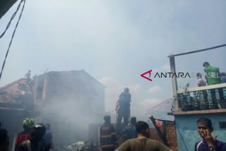 3 Rumah di Silaberanti hangus terbakar