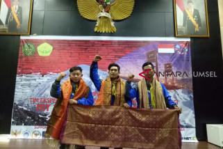 Tiga mahasiswa UMP akan mendaki gunung elbrus Rusia