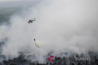 BPBD Sumsel turunkan tiga helikopter padamkan kebakaran hutan dan lahan