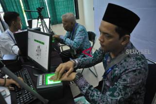 Rekam Biometrik Jemaah calon Haji embarkasih Palembang