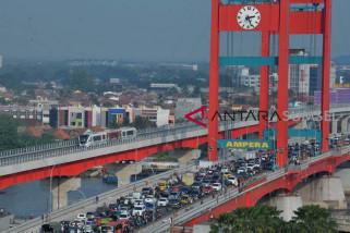 Legislator berharap tiang pengaman jembatan Ampera diperkuat