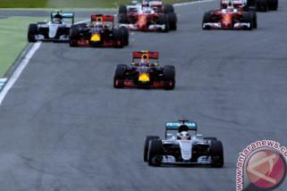 Hamilton start dari posisi terdepan di Hungaria
