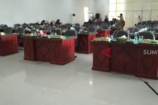 Rapat paripurna DPRD Muratara molor dua jam lebih