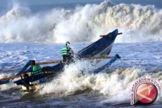 Gelombang tinggi, nelayan diminta waspada