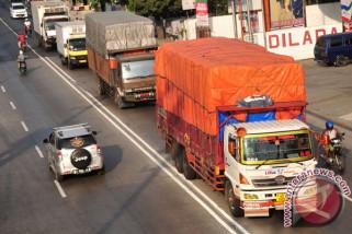 Pemerintah akan tindak tegas kendaraan truk muatan berlebihan