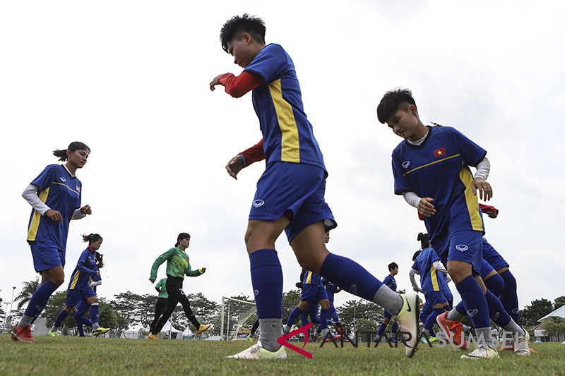 Latihan Timnas Sepak Bola Wanita Vietnam