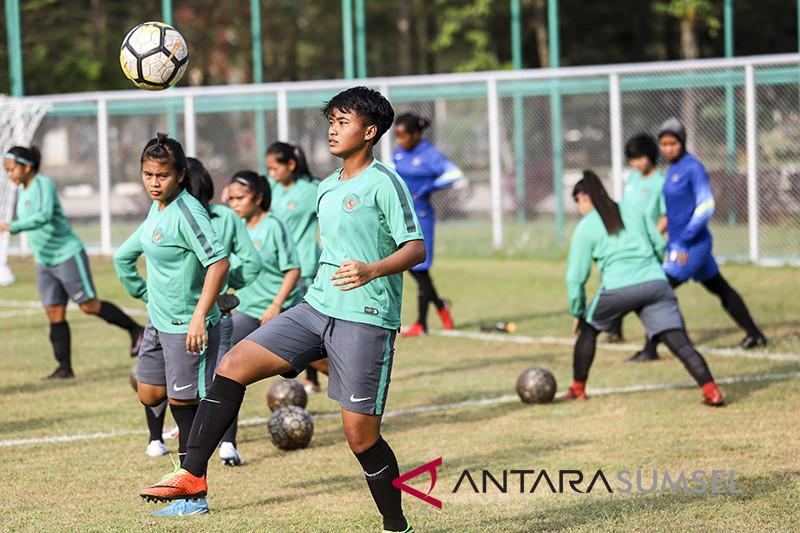 Timnas Sepak Bola Wanita Indonesia Mulai Berlatih