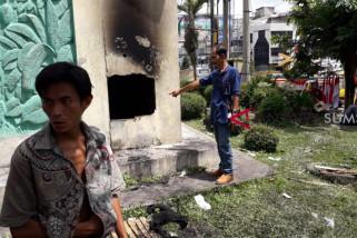 Anak jalanan tewas terkurung di monumen