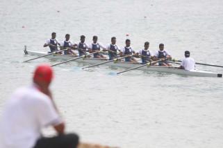 Asian Games (Dayung) - Delapan emas diperebutkan dalam final rowing pertama