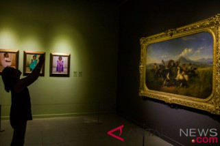 Koleksi lima istana dipamerkan di galeri nasional