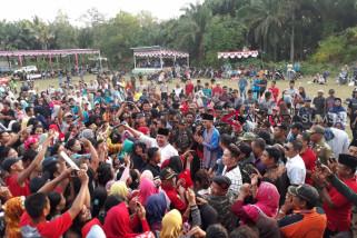 Herman Deru hibur masyarakat kecamatan Muara Lakitan