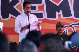 Presiden Jokowi hibur anak-anak terdampak gempa Lombok