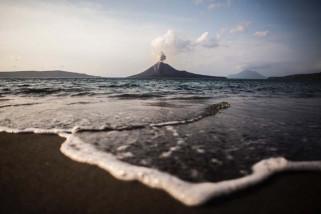 Gunung Anak Krakatau keluarkan 156 kali letusan