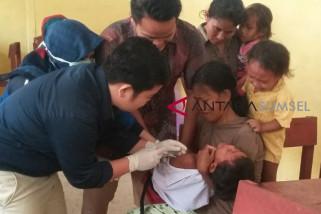 Imunisasi MR di kampung Suku Anak Dalam