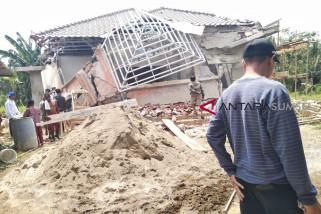 TNI AU tertibkan bangunan di lahan negara