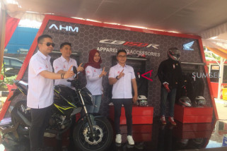 Honda luncurkan CB150 Streetfire & New Honda CBR250R