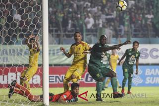 Persebaya Tahan Imbang Sriwijaya FC