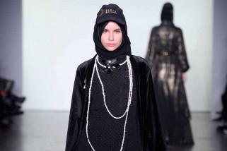Vivi Zubedi unjuk karya lagi di New York fashion week