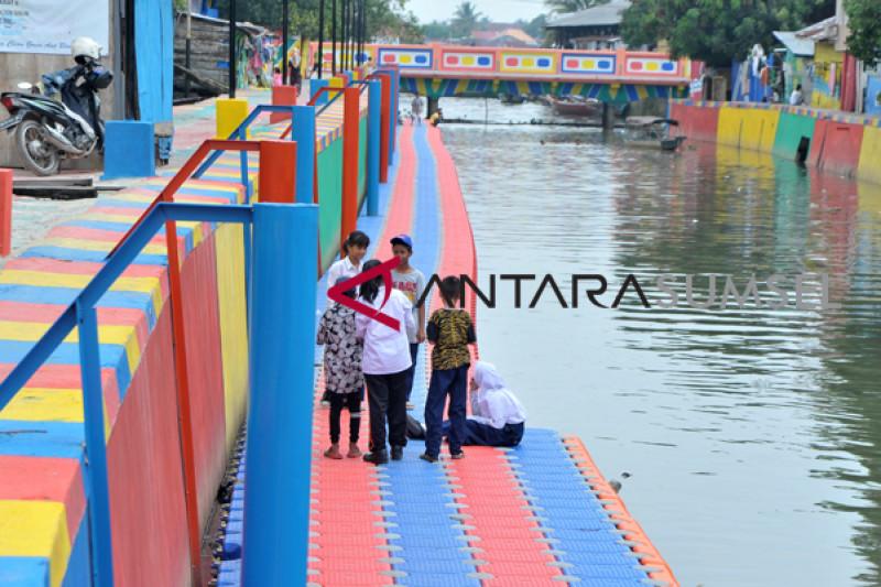 Fasilitas wisata Sungai Sekanak