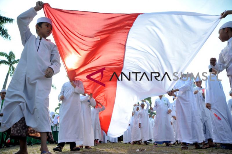 Ribuan santri se-Palembang lakukan kirab sarungan hari santri