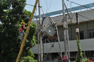 PLN bangun kembali jaringan listrik di Palu