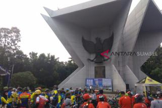 400 Pesepeda berkeliling di Kota Palembang