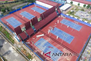 Arena tenis JSC rusak paling parah dihantam angin kencang