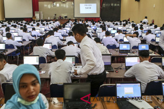 Peserta dari Lampung ikut tes CPNS di Palembang