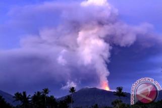 Pemkab Minahasa Tenggara masih siagakan posko erupsi Soputan