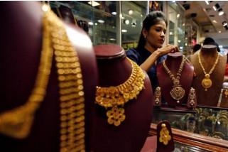 Emas naik dipicu ketegangan Saudi dan pelemahan dolar AS