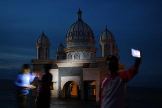 Masjid Apung Pascagempa Palu