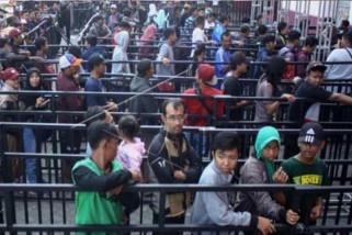 Ribuan suporter antre tiket Indonesia melawan Malaysia